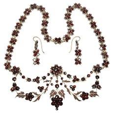 Antique Victorian 10K Gold Bohemian Garnet Necklace Earrings Set C.1890