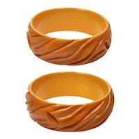 Art Deco Deep Carved Butterscotch Bakelite Bangle Bracelet