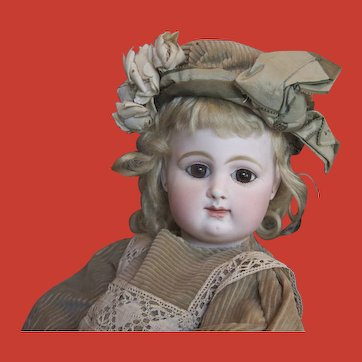 """Early Rabery & Delphieu Bebe 18"""" closed mouth"""