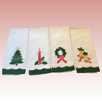 New Old Stock Fine 100% Cotton Christmas Fingertip Towels - Vintage