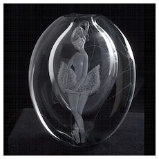 Exceptionaly Fine and Rare Asta Stromberg, Rune Strand, and Gunay Nylund Glass Vase