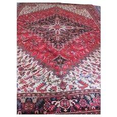 FIne Persian HERIZ Oriental Rug, Geometric design, handmade of wool on cotton foundation, vegetable dyes