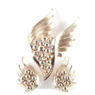 Trifari Winged Beaded Rhinestone Brooch Pin Earrings Demi Parure Set
