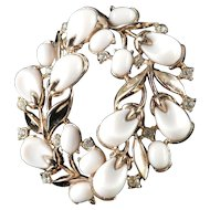 Trifari Pebble Beach Thermoset Rhinestone Brooch Pin