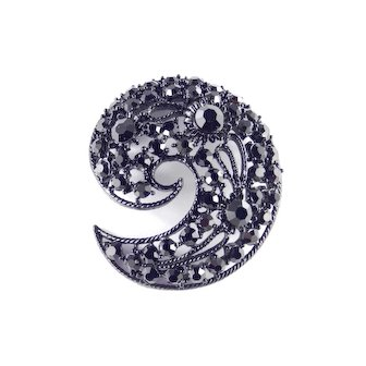 Rhinestone Domed Comma Brooch Pin Japanned