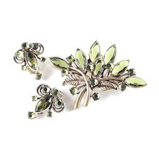 Rhinestone Art Glass Brooch Pin Earrings Demi Parure Set