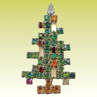 Vintage 1963 Weiss 3 Candle Rhinestone Christmas Tree Brooch PIn