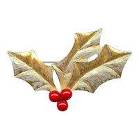 Elegant Vintage Trifari Christmas Holly Red Berries Brooch Pin