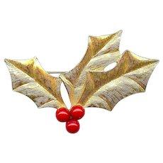 Elegant Vintage Trifari Christmas Holly Red Berries Brooch Pin
