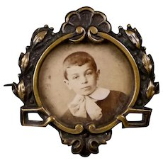 Charming Victorian Gold Filled Photo Pin