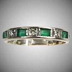 Vintage 18K Gold Emerald Diamond Band Ring. Unisex