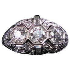 Exquisite Art Deco c1920 Platinum Diamond Ring