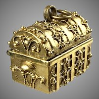 Vintage Large 14K Gold Etruscan Style Trunk Charm