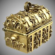 Vintage Large 14K Gold Etruscan Style Trunk Charm   Lots of Detail    Opens   Top Quality