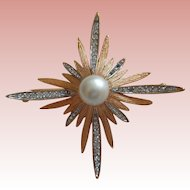 Vintage Designer Brooch with Pearl/Rhinestones by Boucher 1930