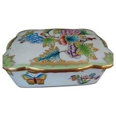 Herend Queen Victoria Porcelain Box 1915-1930 Mark
