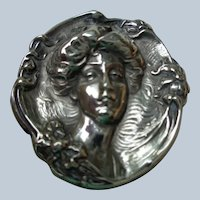Art Nouveau Lady Face Pin in Sterling Silver (1900)