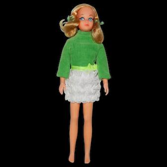 """1970 Mattel Living Skipper in #1730 """"Lots of Lace"""" Dress"""