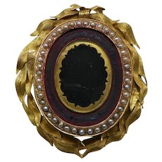 Victorian Mourning Hair Locket. 14k Yellow Gold and Pearl. Late 19th century.