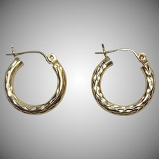 Pretty 14K Gold Diamond Cut Small Hoop Earrings