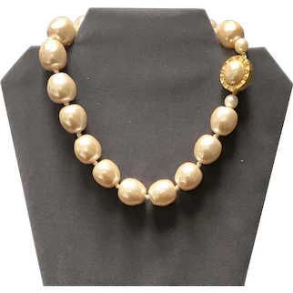 Vintage Lagerfeld Glass Poured Faux Baroque Pearl Choker Necklace