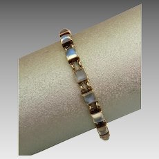 Rare  Retro 14k Gold Sugarloaf Glowing Moonstone Bracelet