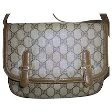 Gorgeous Gucci Vintage Front Flap GG Logo Monogram 1970s Crossbody Handbag Shoulder Bag