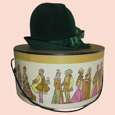 Chic Ladies Vintage Green Hat with Ornate Bamberger's Box Size Small Fashion Spring