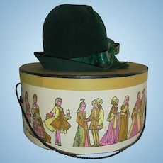 Chic Ladies Vintage Green Hat with Ornate Bamberger's Box Size Small