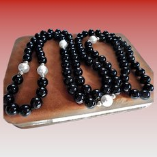 """33"""" Onyx 14K Gold & Cultured Pearl Vintage 33 Inch Sautoir Length Necklace"""