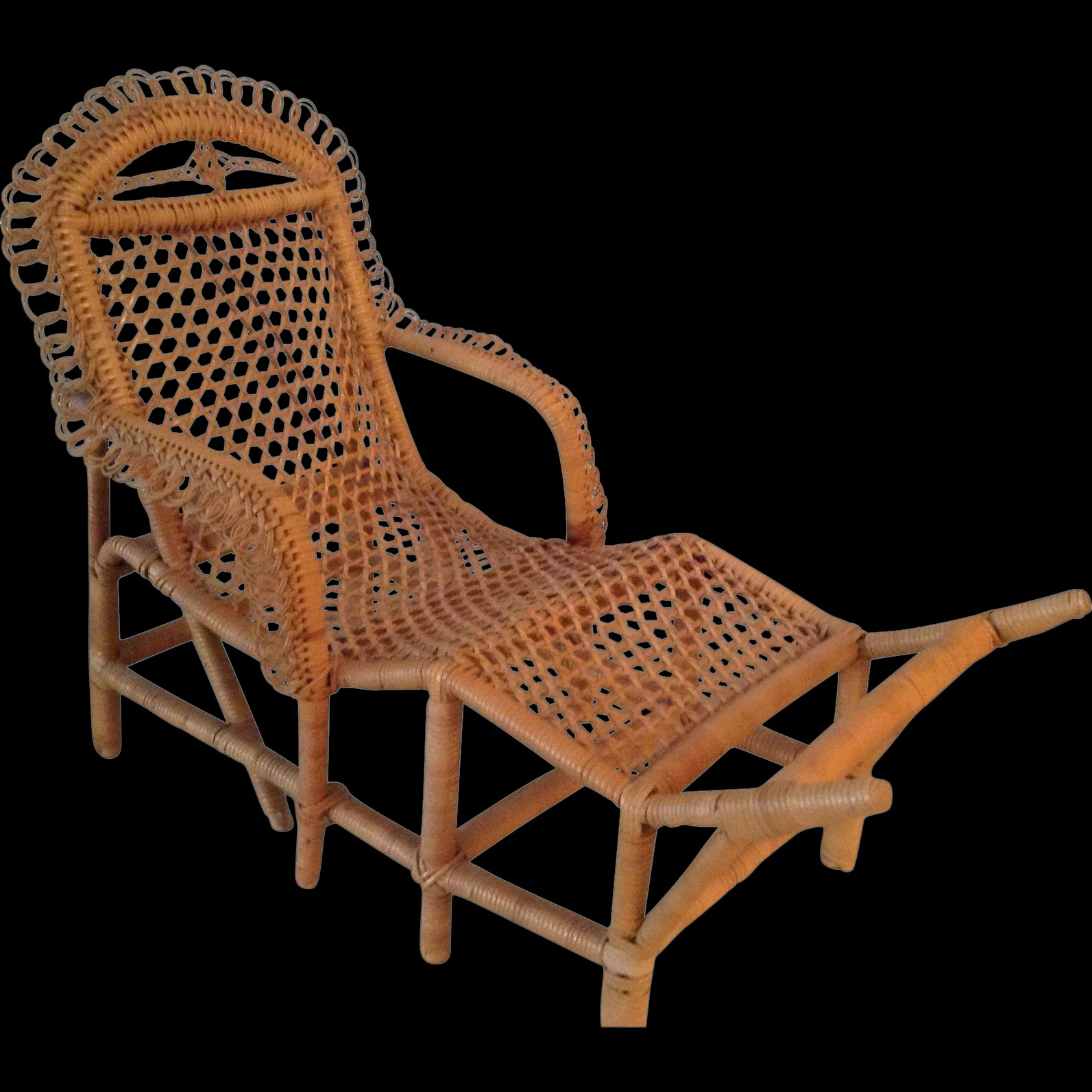 Antique french early wicker chaise longue and table circa for Cane chaise longue