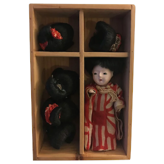 Rare antique tiny Japanese doll and wigs!