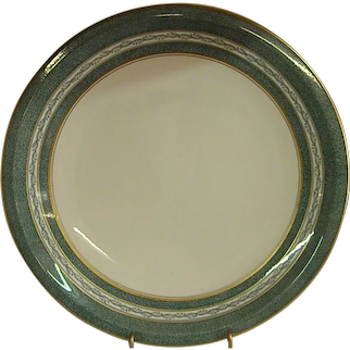 Stately Lines Theodore Haviland New York Mosaic Chop Plate