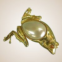 Whimsical Gold-tone Frog Pin/Brooch