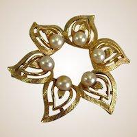Vintage Goldtone and Faux Pearl Lisner Brooch
