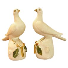 Rare Pair Mid-19th Century Pennsylvania Chalkware Hand Decorated Doves