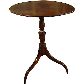 18th Century Mahogany American Tilt Top Tea Table or Candle Stand