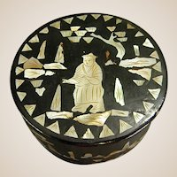 Chinese Black Lacquer Small Trinket Box with Mother of Pearl Inlay