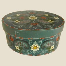 Beautiful Signed Rosemaling Oval Box