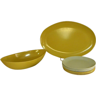 Colorful Mid-Century Allied Chemical Melamine Dishes