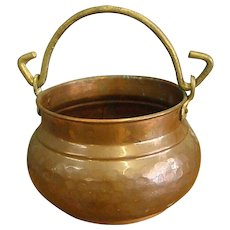 Vintage Hammered Copper Pot Cachepot with Brass Handle