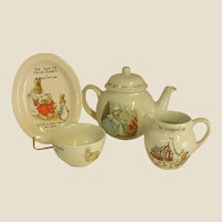Precious Vintage Peter Rabbit Wedgwood Child's Tea Set