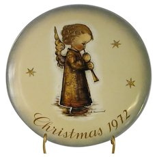 Endearing 1972 Schmid Christmas Plate Depicting Hummel Angel