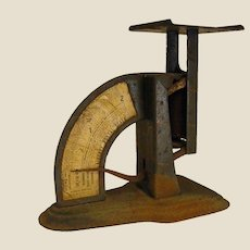 Rustic Antique Triner Liberty Model Postal Scale