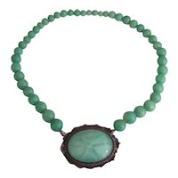 Art Deco Green Star Glass & Peking Jade Glass Bead Choker Necklace Czech