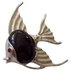 Dodds 11 W. 30 ST Angel Fish Brooch Black Cabochon Silver tone