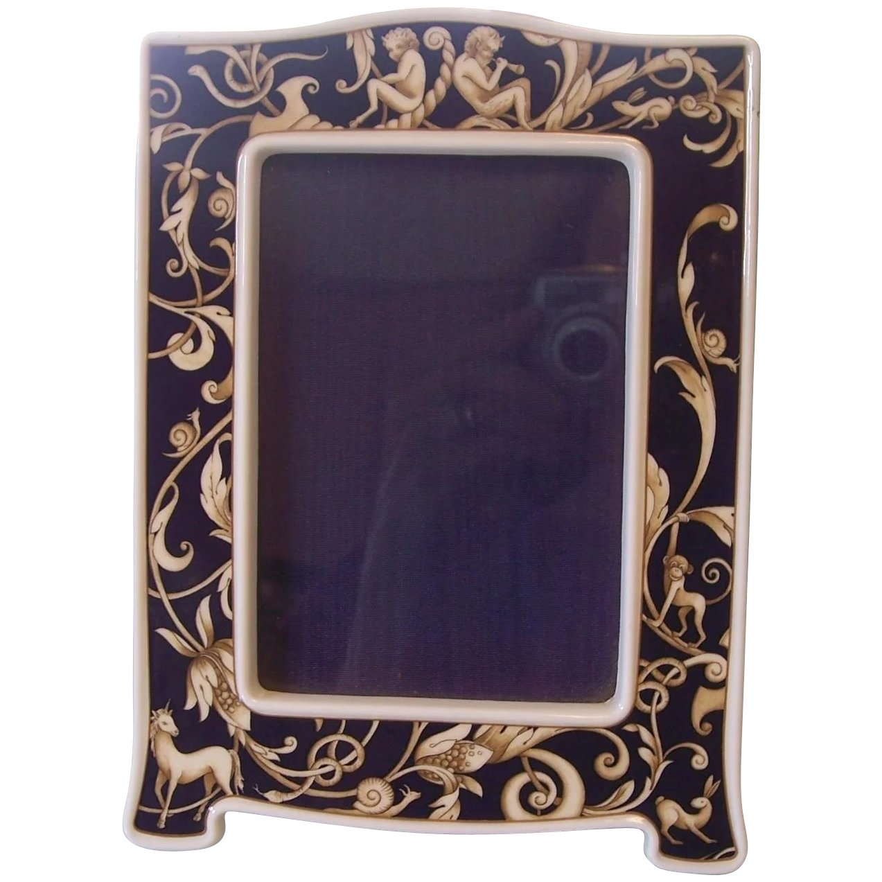 Wedgwood bone china cornucopia picture frame modseller ruby lane wedgwood bone china cornucopia picture frame click to expand jeuxipadfo Image collections