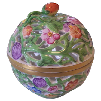 Herend Reticulated Trinket Box Jar Strawberry Finial Hand Painted Hungary