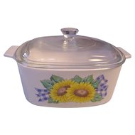 Corning Sunsations Sunflower 1 1/2 Q Covered Casserole