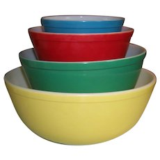 Pyrex Primary Colors Mixing Nesting Bowls Set 400 Series